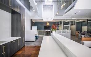 钢结构工业风格办公室装饰方法