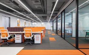 大型的辦公室一般用什么裝飾?