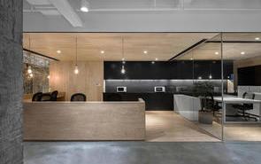 办公室设计如何搭配玻璃隔断?