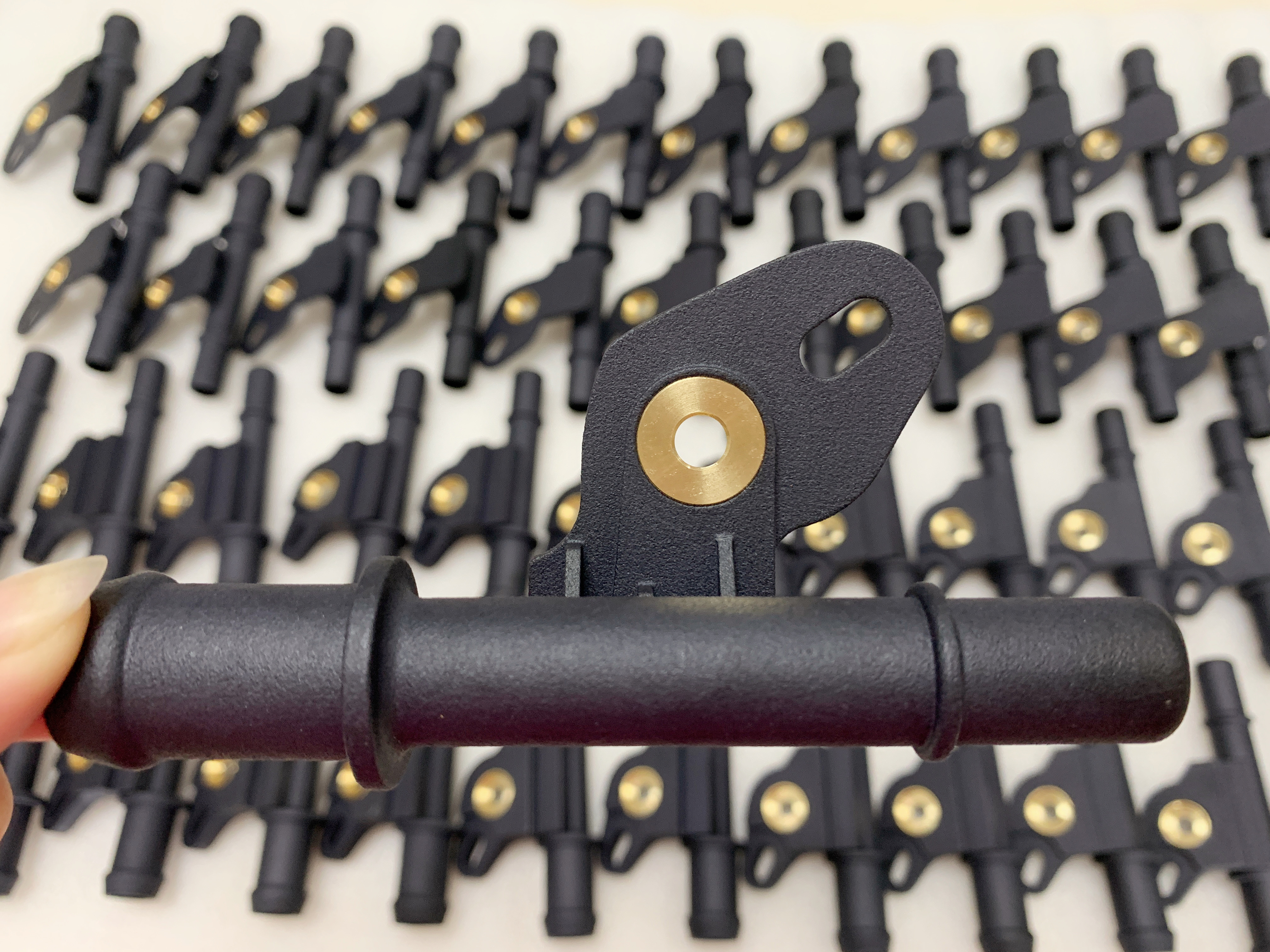 镶嵌铜螺母