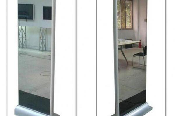 温玛科技镜面广告机