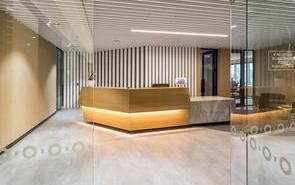 魅力四射的房地产办公室装潢设计