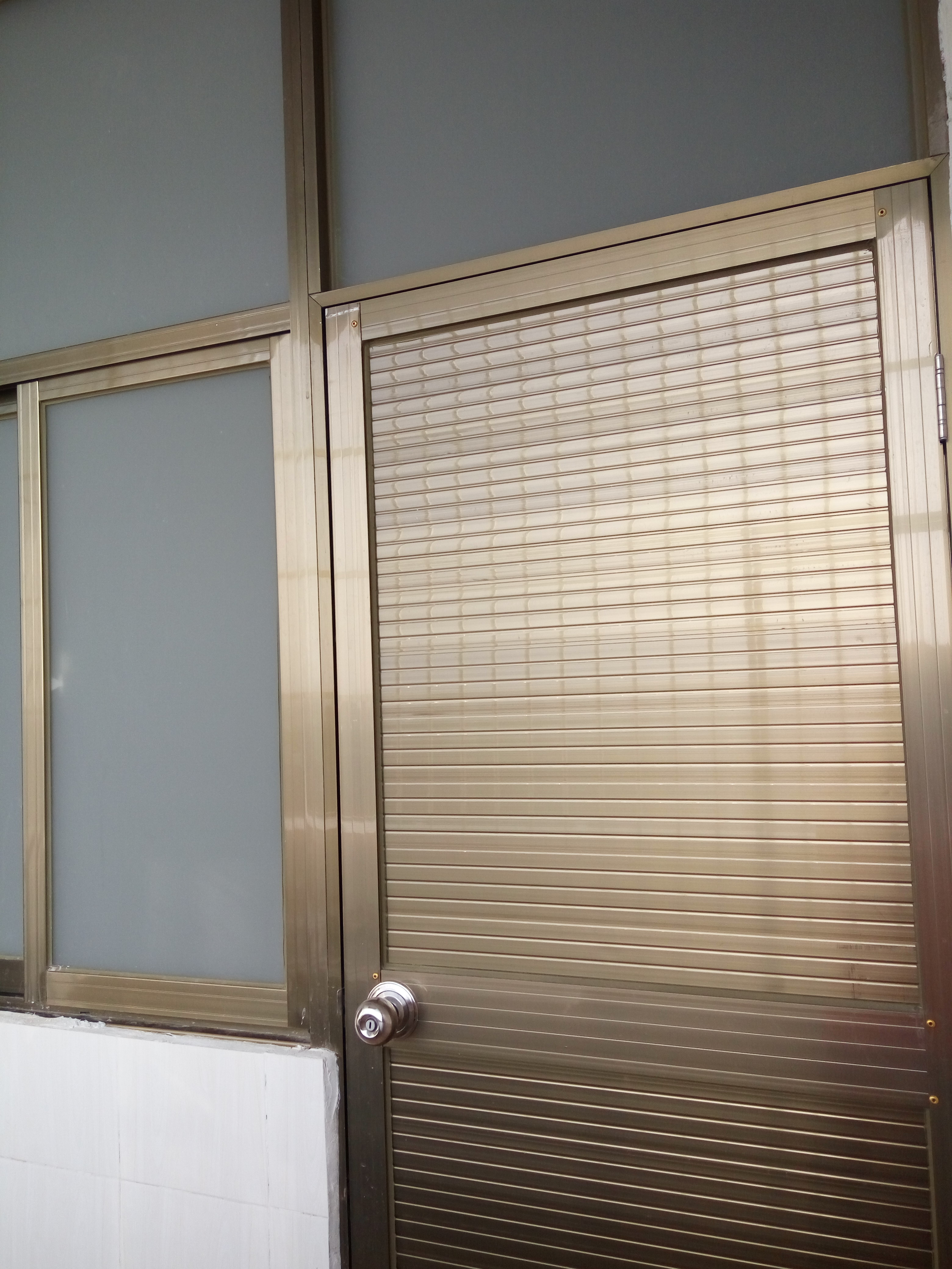 出租房铝合金门窗制作安装工程