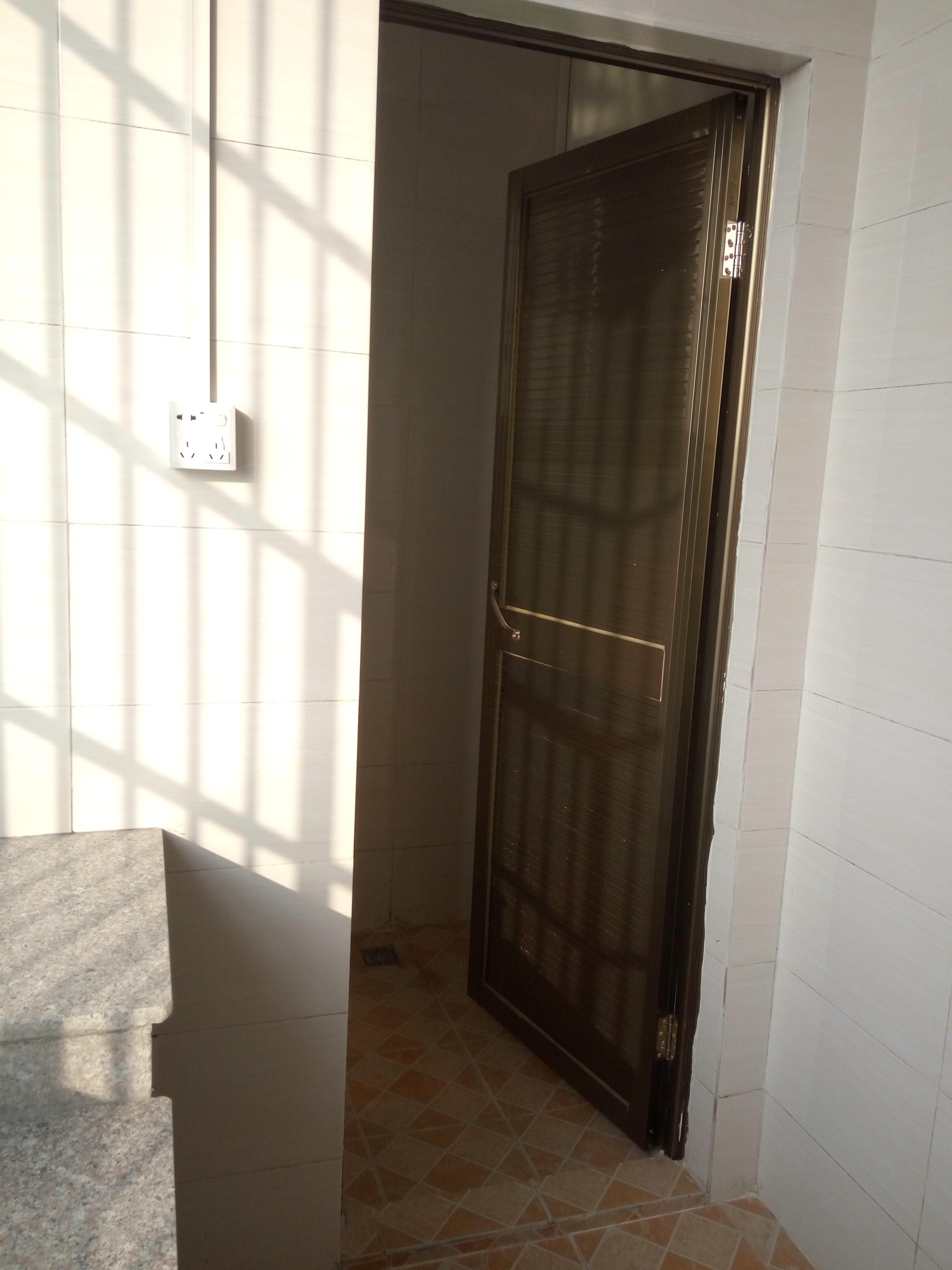 出租房洗手间装修工程施工