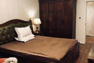 法租界****,安福路2楼/3F。使用面积80平方米,2/2/1房型首次出租,租金15000元。