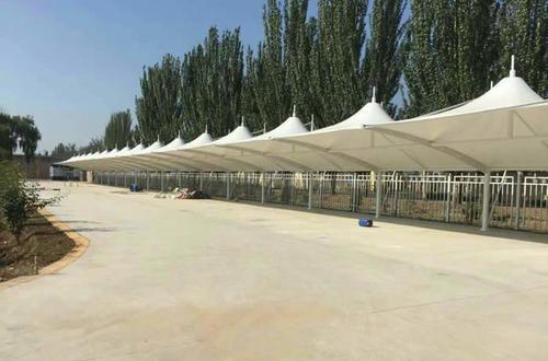 惠州惠城區鵝嶺西路34號車棚膜結構工程