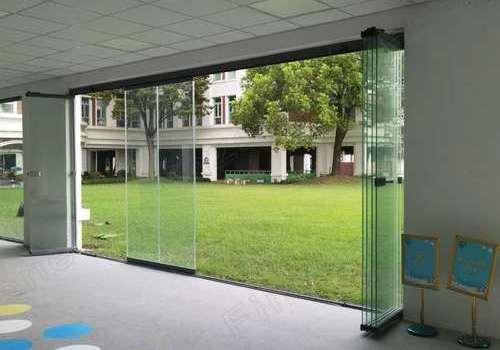 科罗曼无框玻璃折叠门