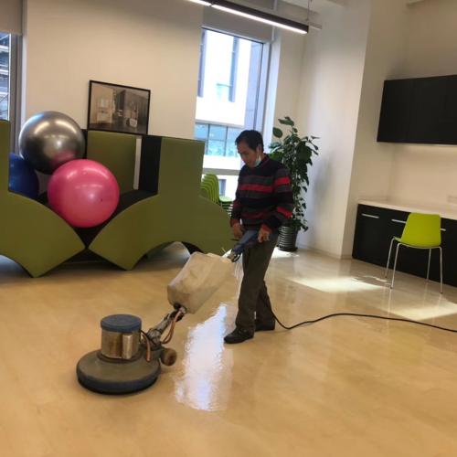 办公楼宇室内的定期清洁