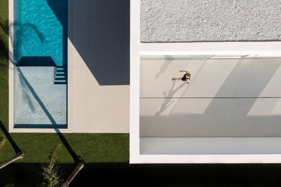 032-house-of-the-silence-by-fran-silvestre-arquitectos-960x673.jpg
