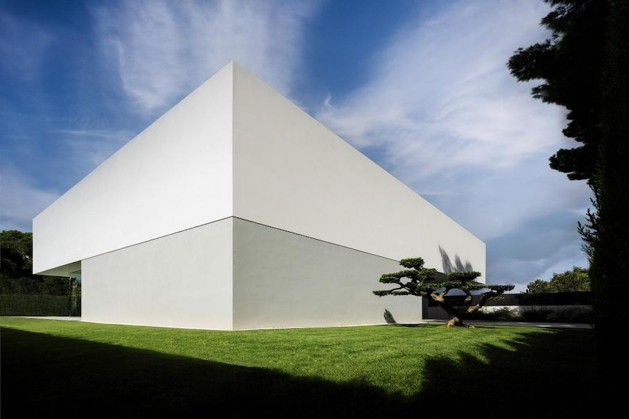 015-house-of-the-silence-by-fran-silvestre-arquitectos-960x700.jpg