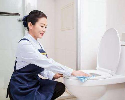 居家保洁:::卫生间清洗保洁
