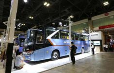 立足當下 備戰未來——金龍客車攜重磅新能源產品出擊2017北京道路運輸車輛展