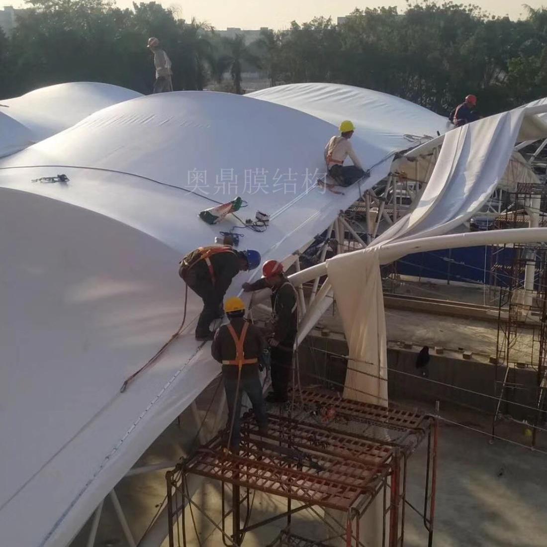 篮球场雨棚膜结构