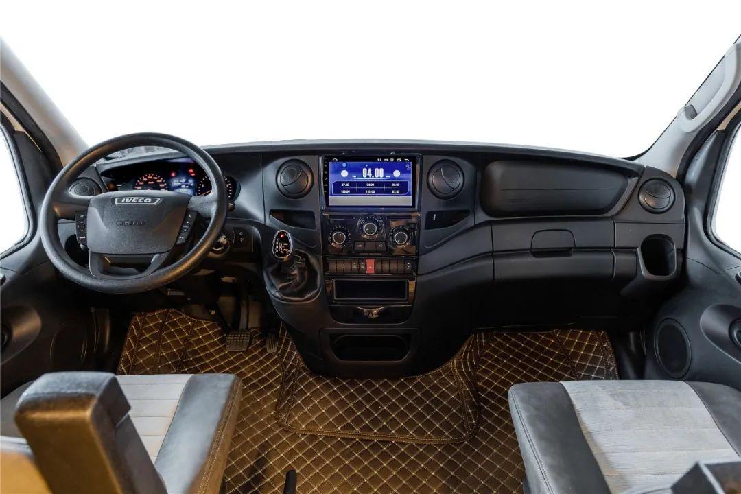 4.8南京房车展:亚特尊领ST2021款最新评测,超大驻车空间,房车中的精品车型!