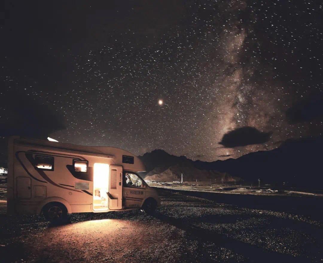 【野趣·房车露营季】五一黄金周专场 | 去千岛湖来一场随遇而安、自由自在的房车旅行