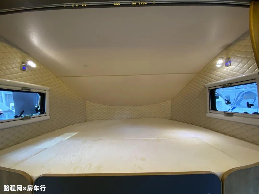 9.24上海房车展:中道皮卡房车自带露台?还有内外两用的厨房?