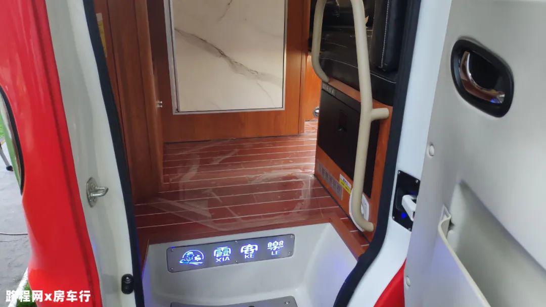9.24上海房车展:轻量化,尽享自在旅行,霞客乐-锐骐6 SUC多功能越野旅居车