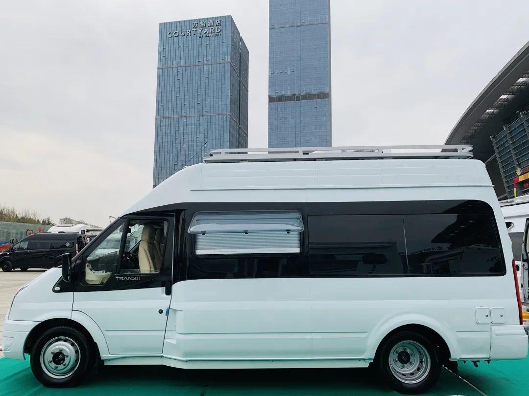 9.24上海房车展:不妥协,不将就,铁汉子的真柔情,飞翔-铁C无拓展房车