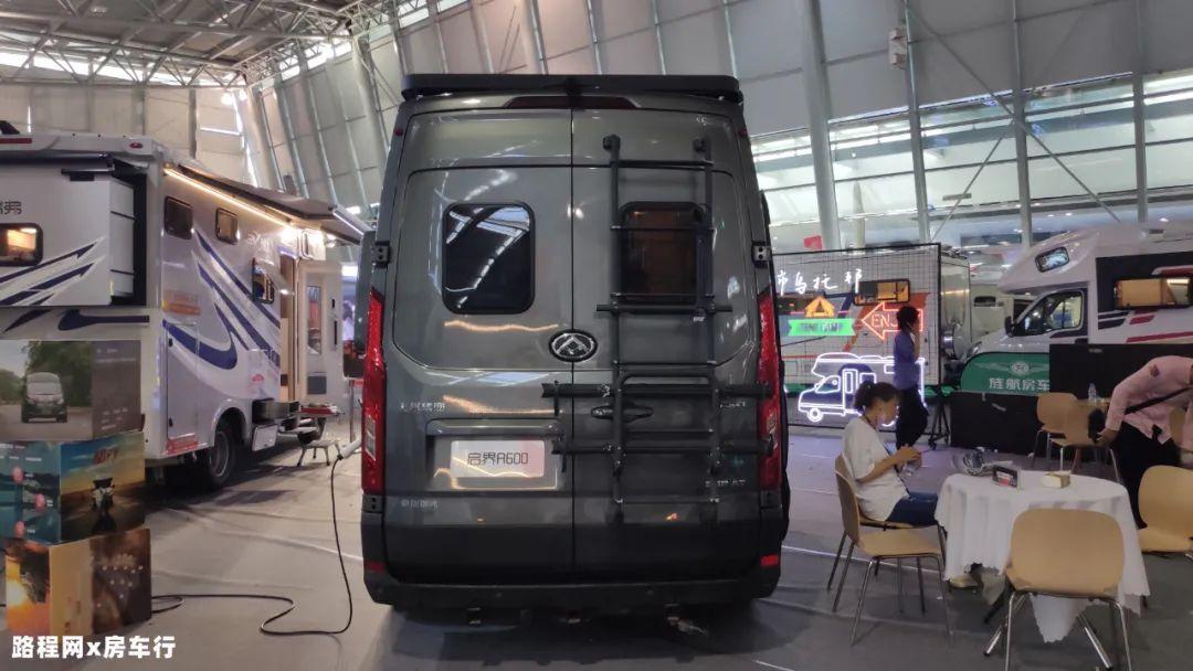 7.10上海房车购车节:外观酷炫,空间敢与C型相争艳,瑞弗启界R600房车