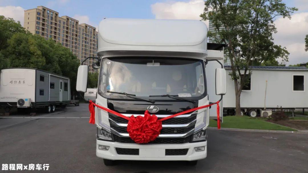 9.24上海房车展:轻卡房车还带拓展?大空间高性价比,网红三号轻卡房车爱了爱了!