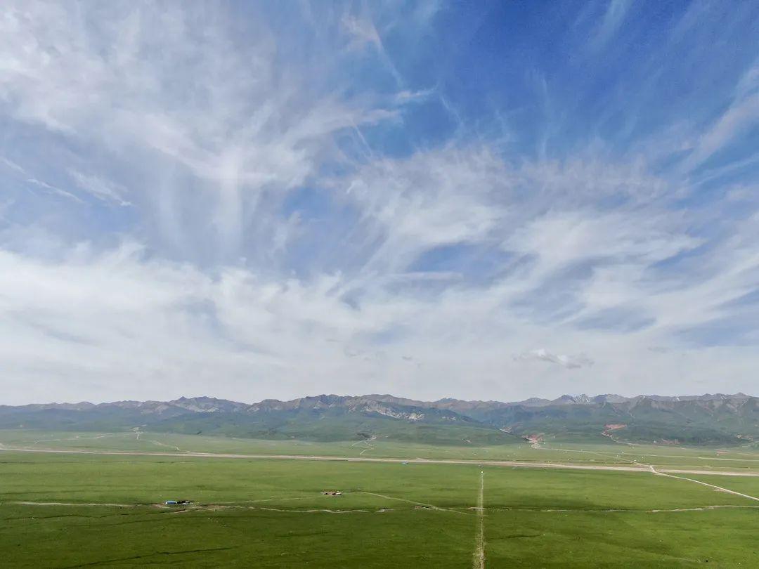 是想在高耸入云的森林中纳凉?还是在一碧万顷的草原上疾驰?这些地方都能满足——优质房车露营地精选合集(5)