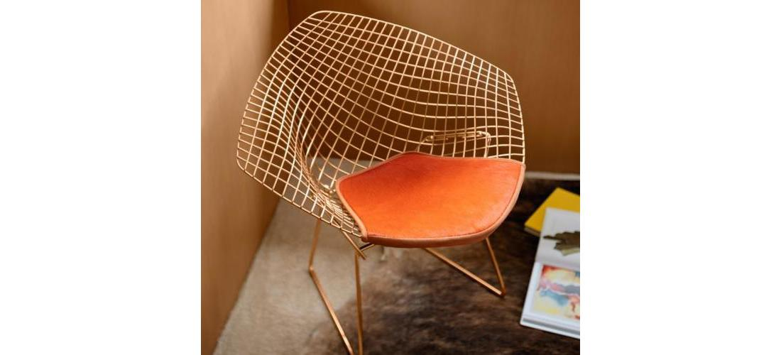 Bertoia Diamond™ Chair in Gold (2).jpg