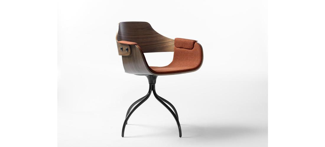 SHOWTIME CHAIR - SWIVEL BASE (2).jpg