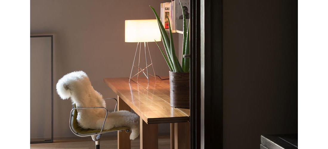 ray-table-dordoni-flos-F59110-product-life-01-1440X802.jpg