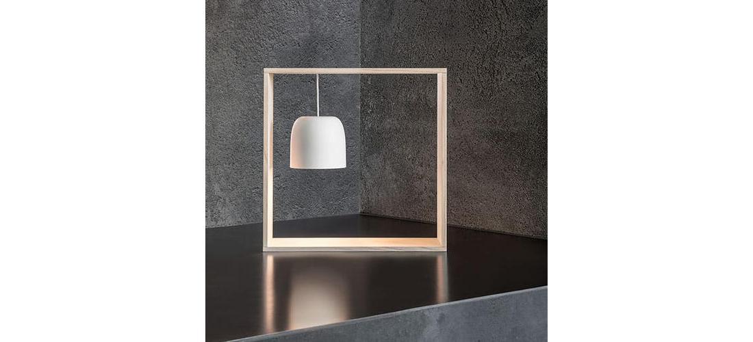 gaku-wire-table-nendo-flos-F2521030-product-life-04-571x835.jpg