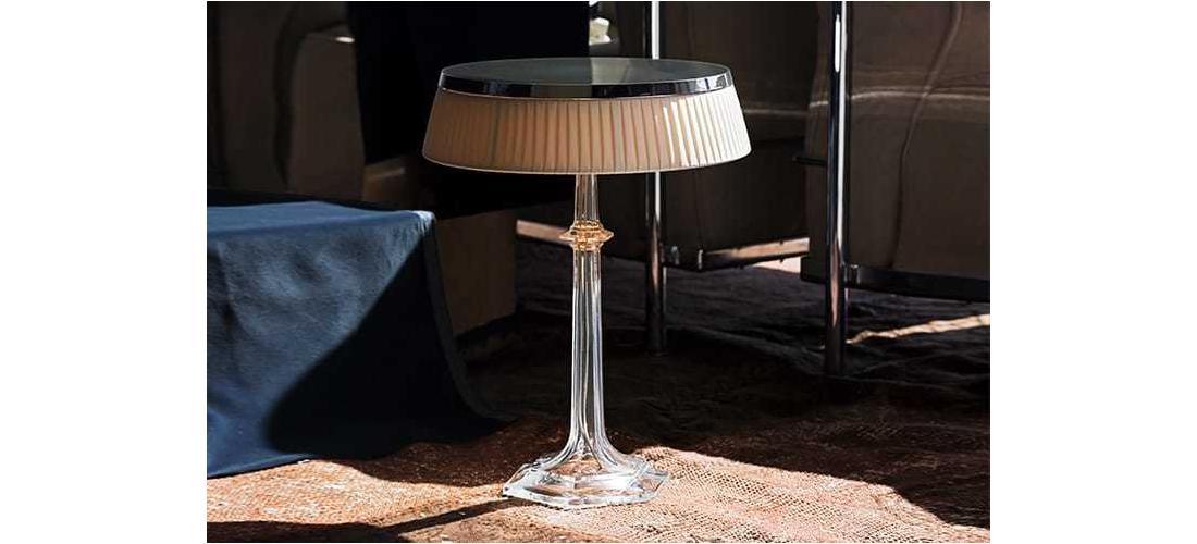 bon-jour-versailles-table-starck-flos-F10410-product-life-03-720x498.jpg