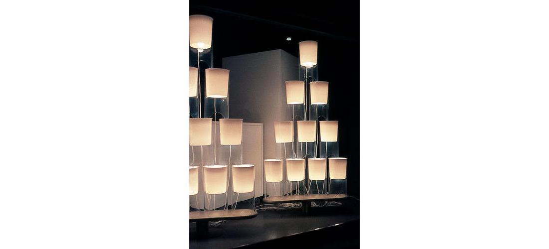 aoy-table-castiglioni-flos-F0200071-product-life-02-571x385.jpg