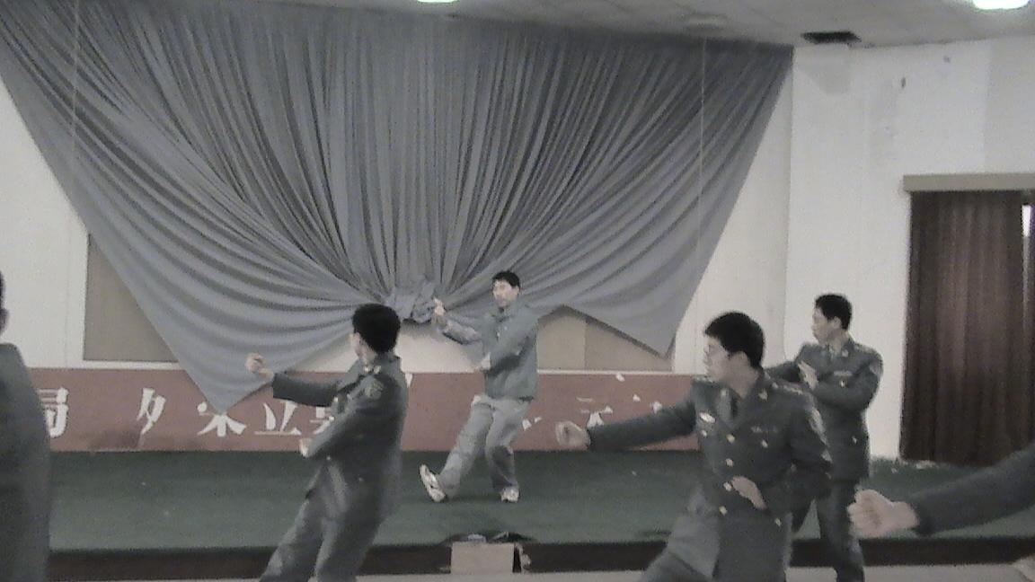 军队太极2.JPG