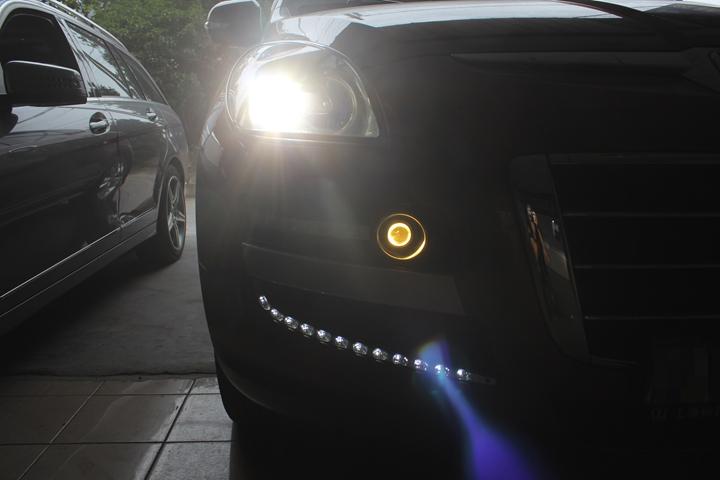 双氙车灯大七灯光