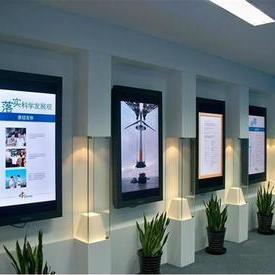 壁挂式广告机