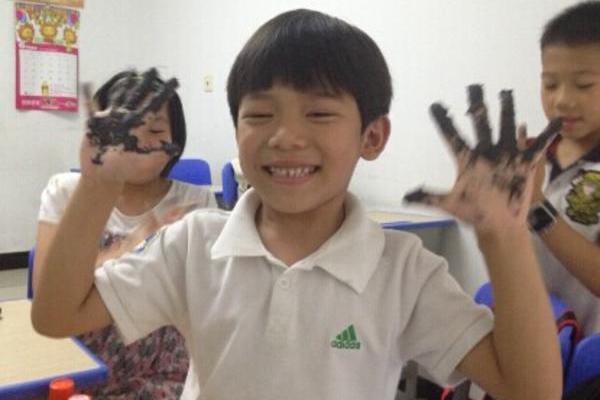 暑假班课堂:小小泥塑家