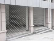 不銹鋼魚鱗型大花電動網型卷簾門