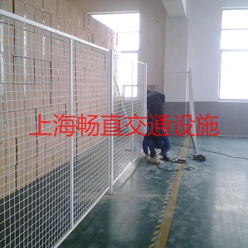 上海锌钢护栏片 框架铁丝网 隔离护栏网 铁丝网围栏安装 护栏网围墙