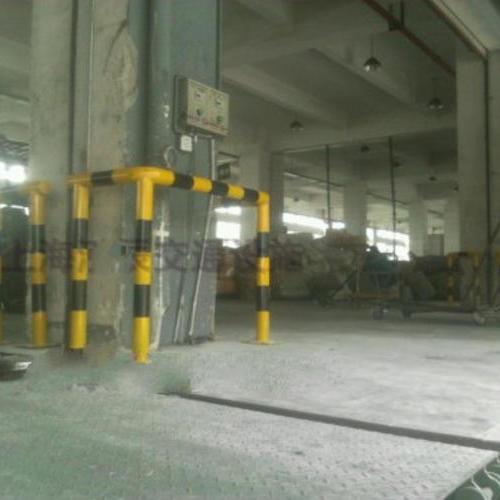 上海车间柱子防撞护栏 仓库水泥柱子防护栏杆 柱子防撞围栏 柱子铁护栏