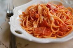 薩拉米香腸茄汁意面