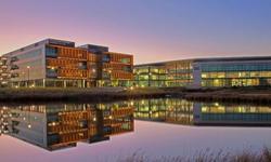 卧龙岗大学University of Wollongong
