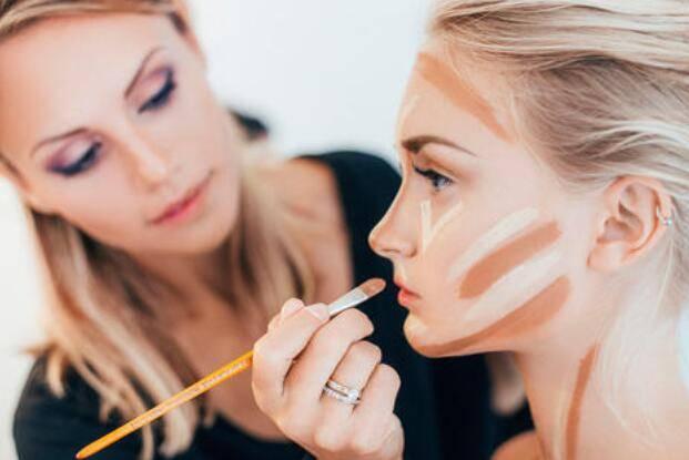 2021上海美博会化妆阴影化在哪些部位