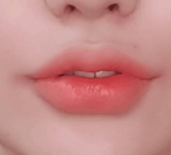 2021上海美博会教你一些护唇、画口红的小技巧