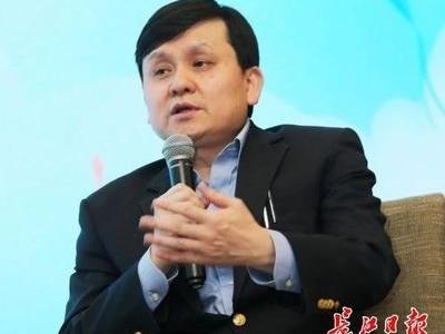 张文宏:明年有机会摘口罩,首先还是要做好疫苗接种工作