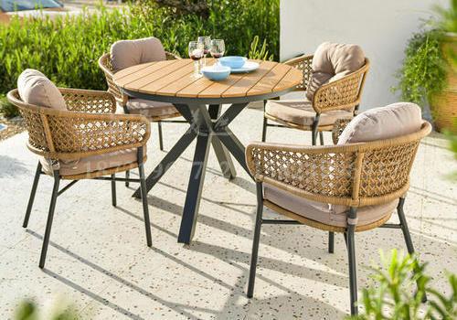 J22-114(卡罗餐椅 木色藤+兰德 铝塑木90圆桌)